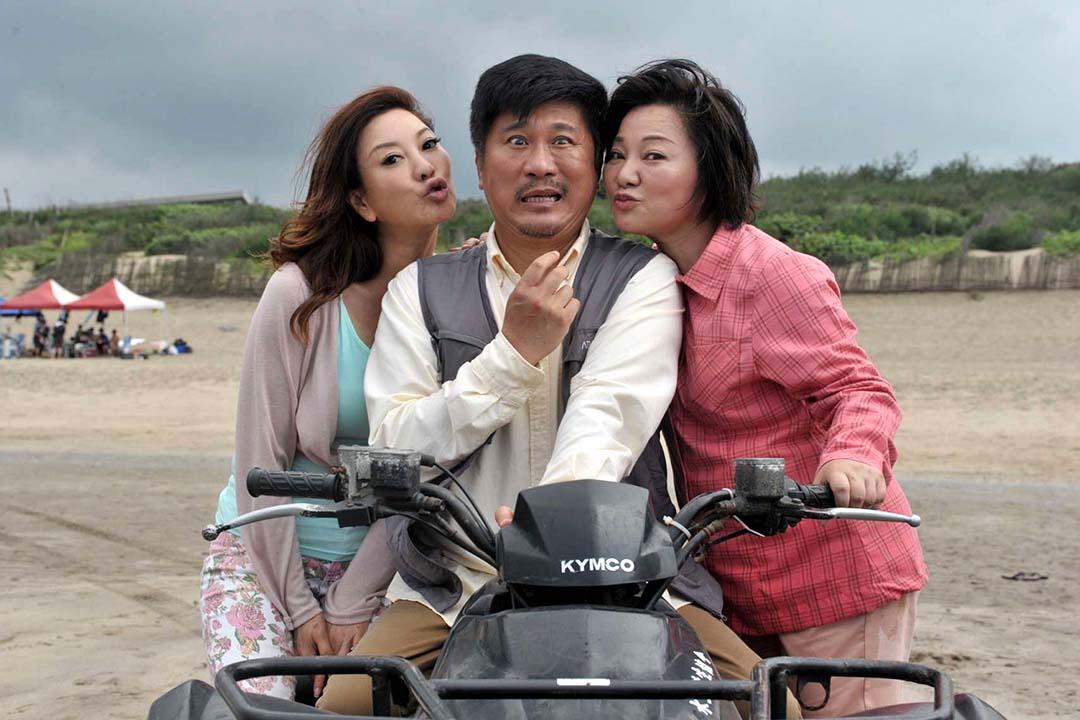 台灣今年將上映的賀歲片《人生按個讚》找來胡瓜、白冰冰主演,走庶民喜劇路線。