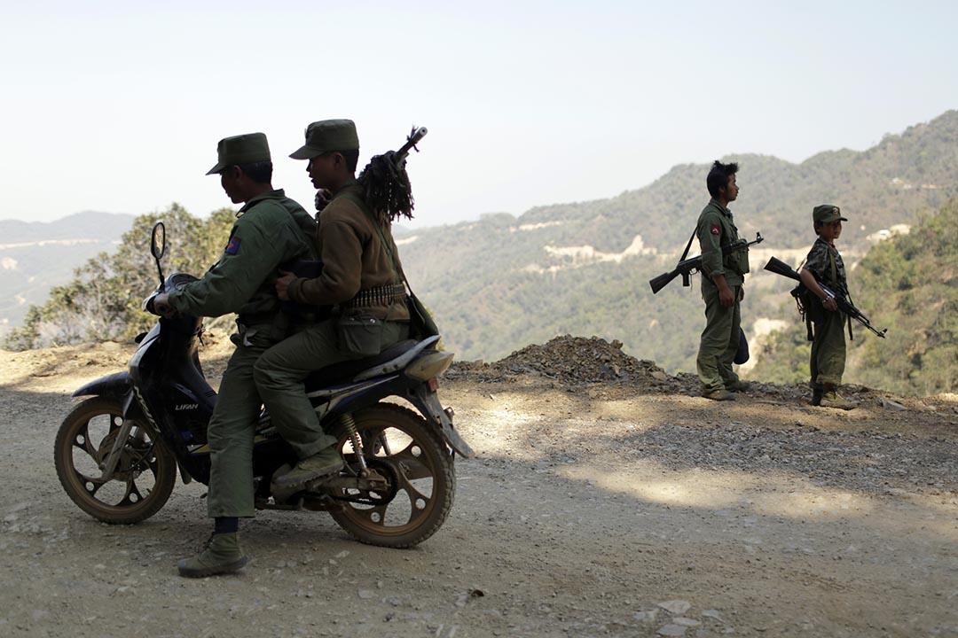 年幼的緬甸民族民主同盟軍戰士 攝: Stringer/REUTERS