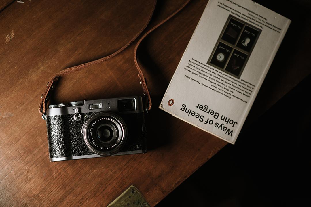 照相機的複雜功能,讓我們可以「編排」出一張美麗的快照。攝 : Lit Ma/端傳媒