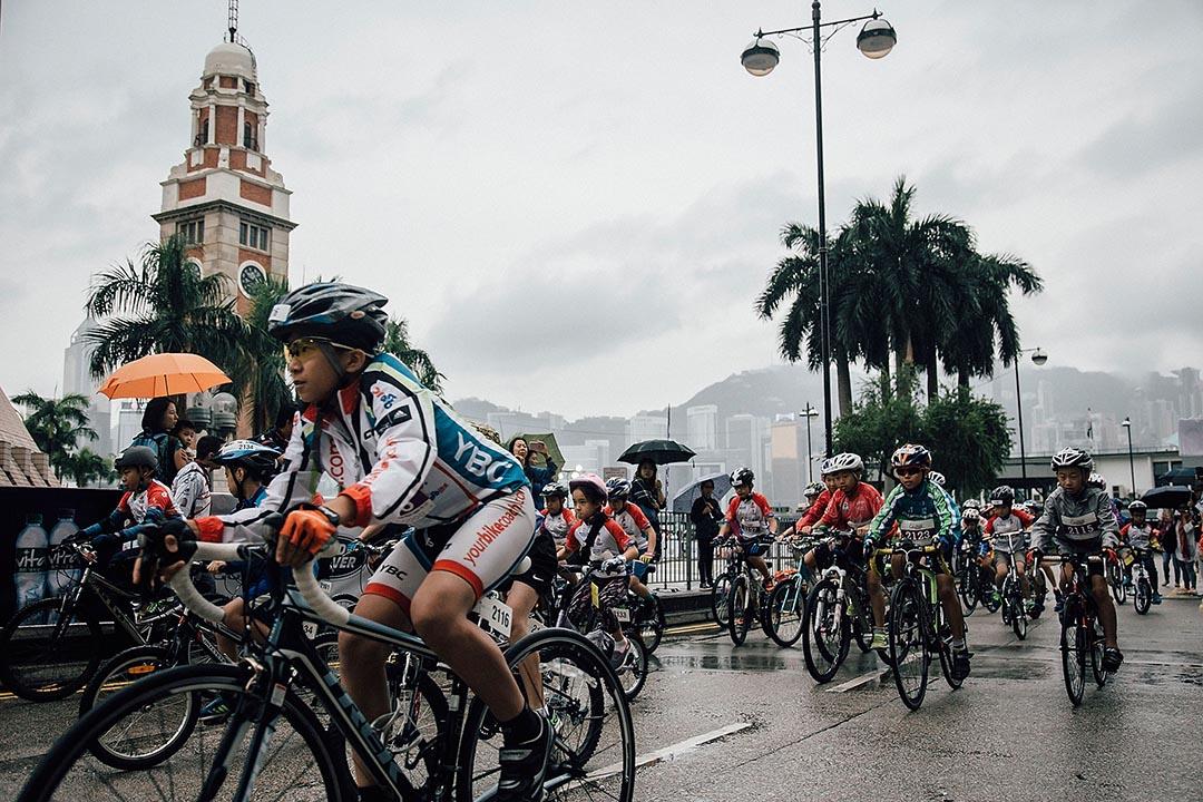 2015年10月11日,香港尖沙咀,青少年參與香港單車節賽事。攝:Anthony Kwan/GETTY