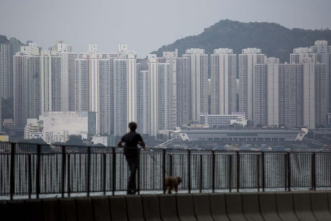 調查顯示,高達58%的無樓人士認為未來10年都買樓無望。攝:羅國輝/端傳媒