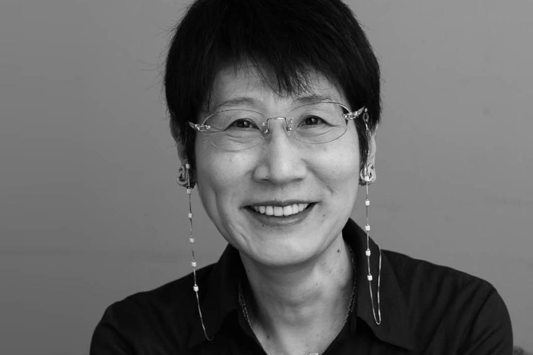日本作家津島佑子。