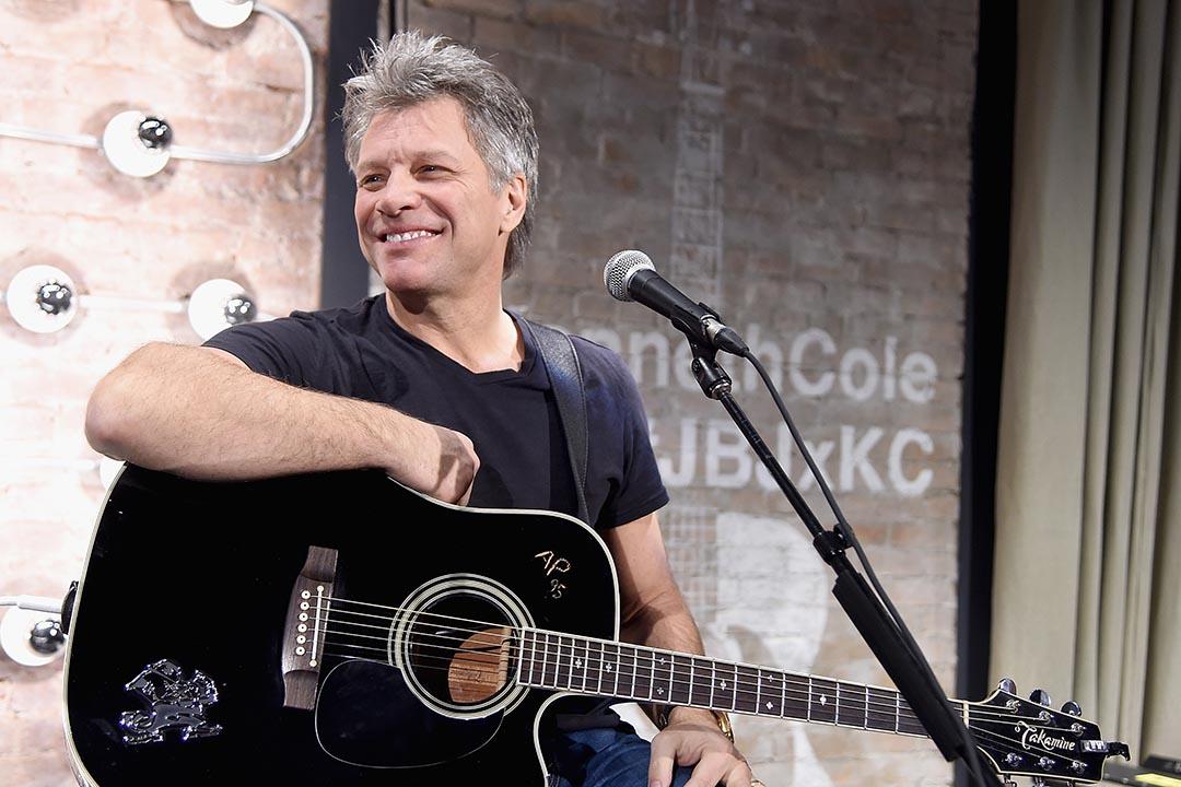 2015年2月,紐約,瓊·邦·喬飛(Jon Bon Jovi)在音樂會表演。攝:Jamie McCarthy/GETTY