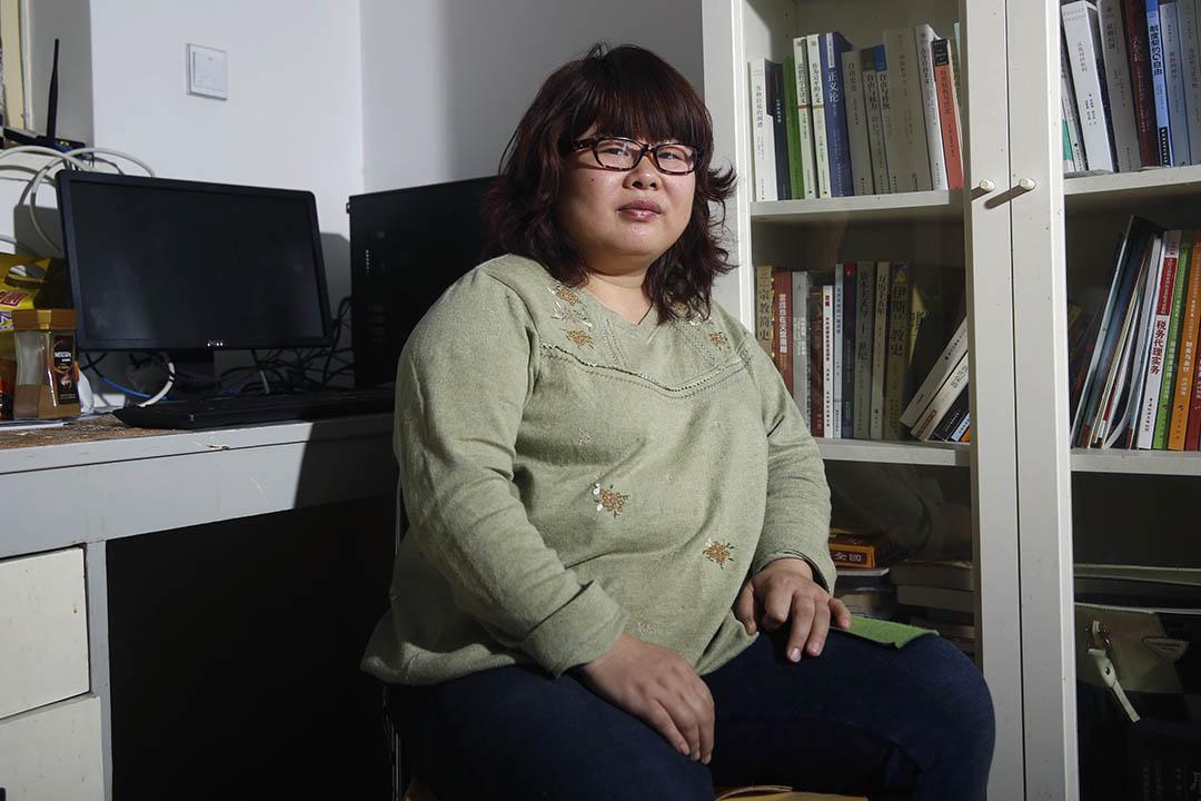 一開始專注性工作者權利、後來越來越多對政治問題發表見解的草根意見領袖葉海燕。攝:Wu Hao/端傳媒