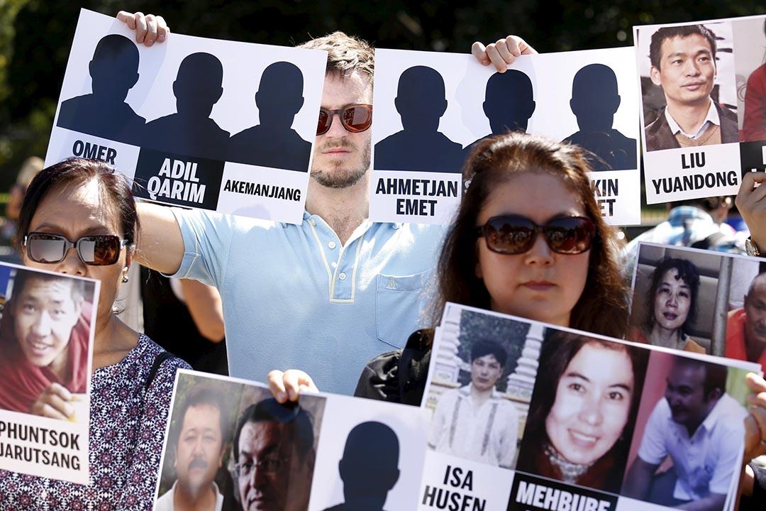 示威者於白宮外集會。攝:David Ryder/REUTERS