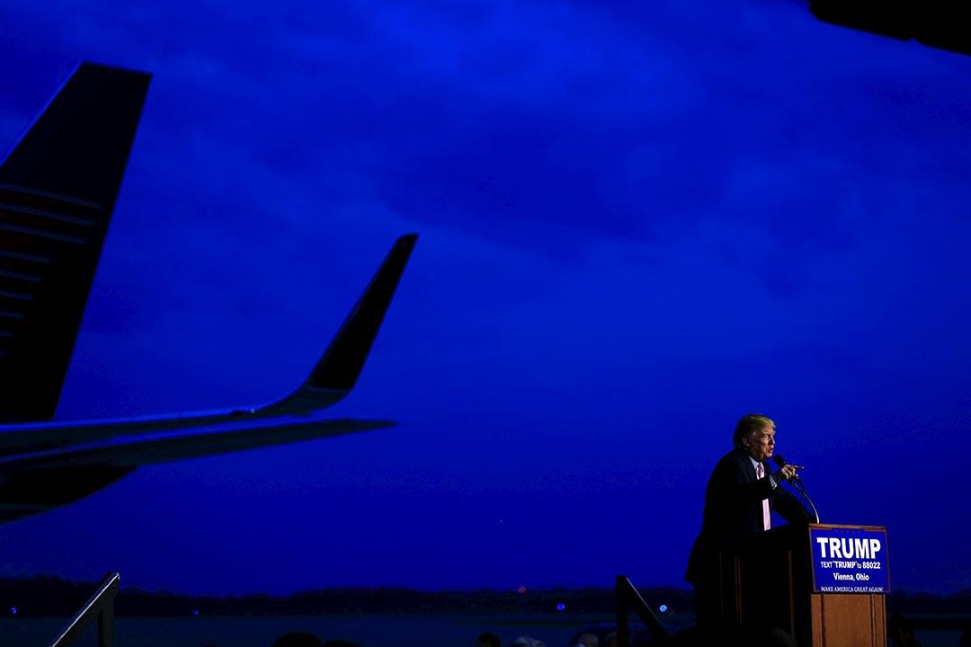 特朗普俄亥俄州揚斯敦市的一個停機坪演說。攝 : Aaron P. Bernstein/REUTERS