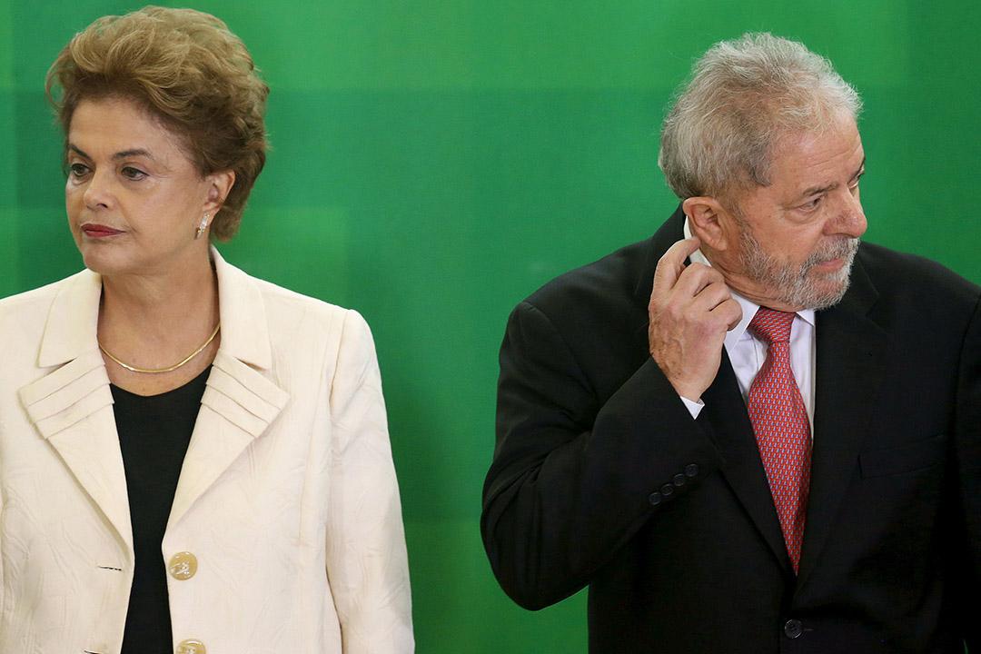 2016年3月17日,巴西總統羅賽芙(左)任命前總統盧拉(右)為幕僚長。攝:Adriano Machado/REUTERS