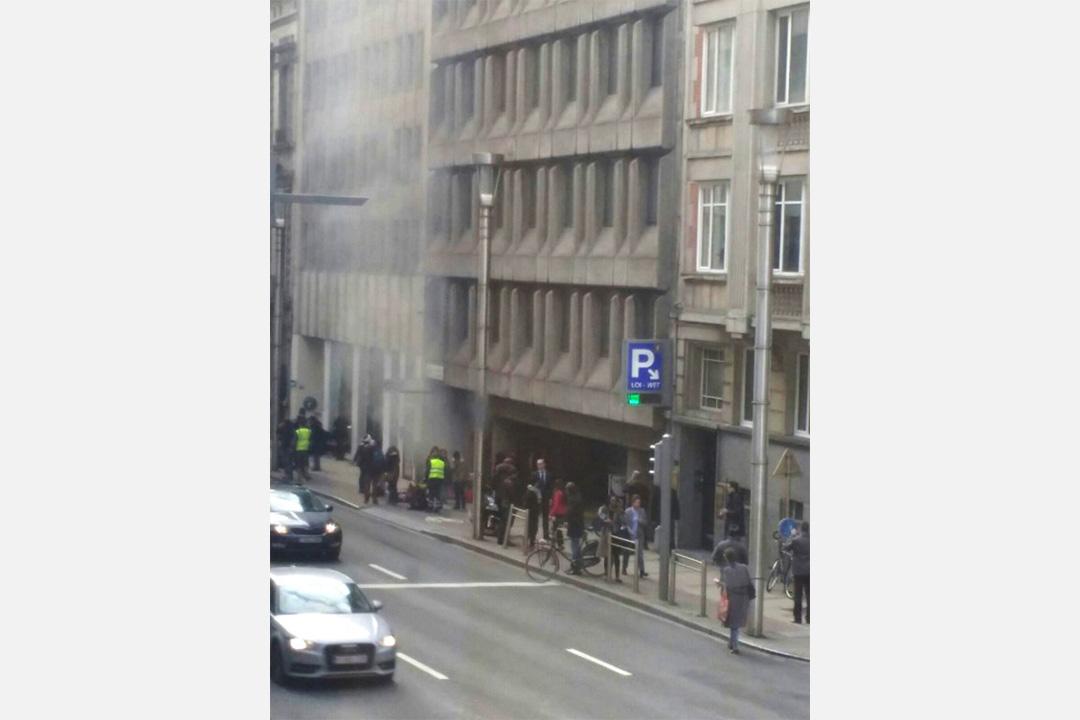 比利時布魯塞爾馬爾比克(Maelbeek)地鐵站發生爆炸,事發地點鄰近歐盟總部。攝:Seppe Knapen / AFP