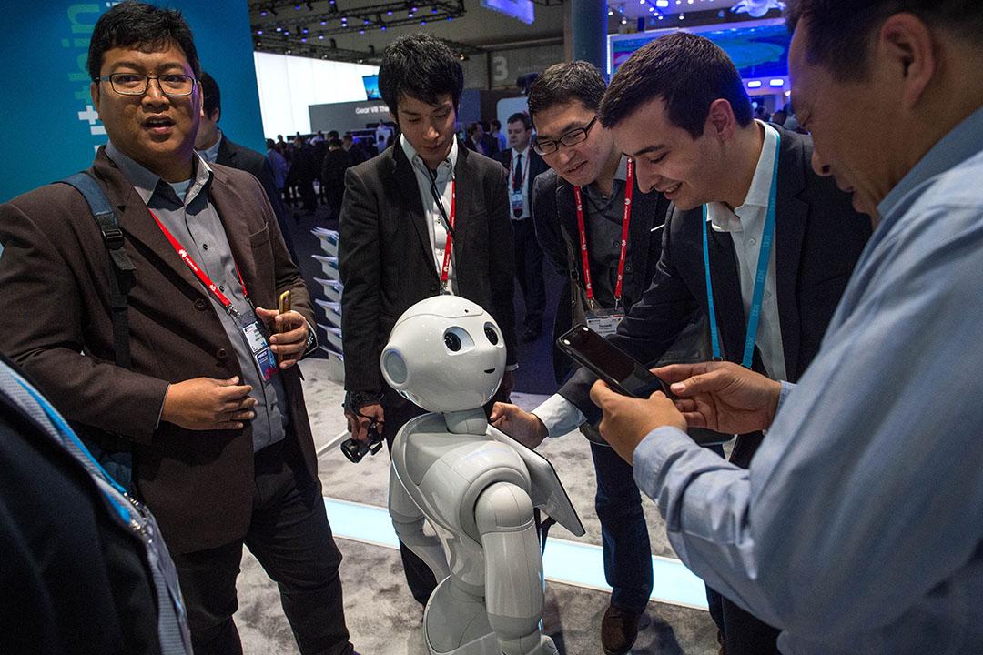 2016年2月26日,西班牙巴塞隆拿世界通訊展展出的一台智能機械人。攝:David Ramos/GETTY
