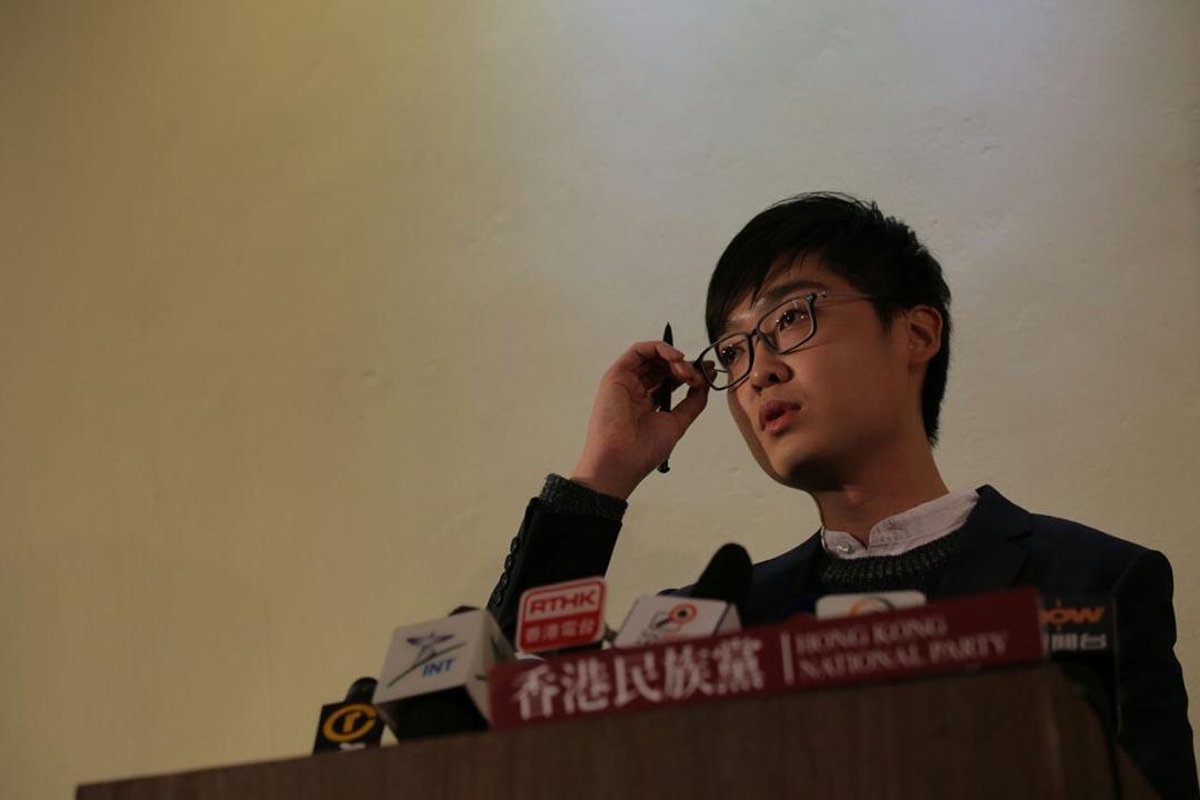 2016年3月29日,香港民族黨召集人陳浩天在建黨記者會上回答記者提問。攝:吳煒豪/端傳媒