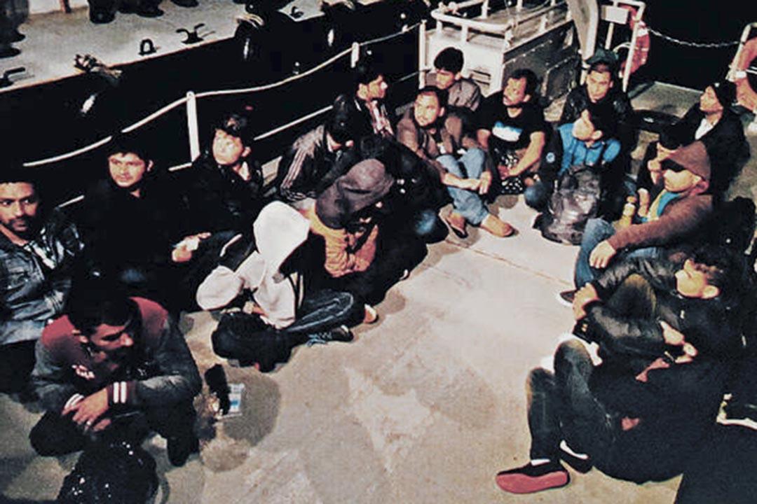 粵港警方近日展開聯合行動,拘捕非法入境人員及組織者上百人。
