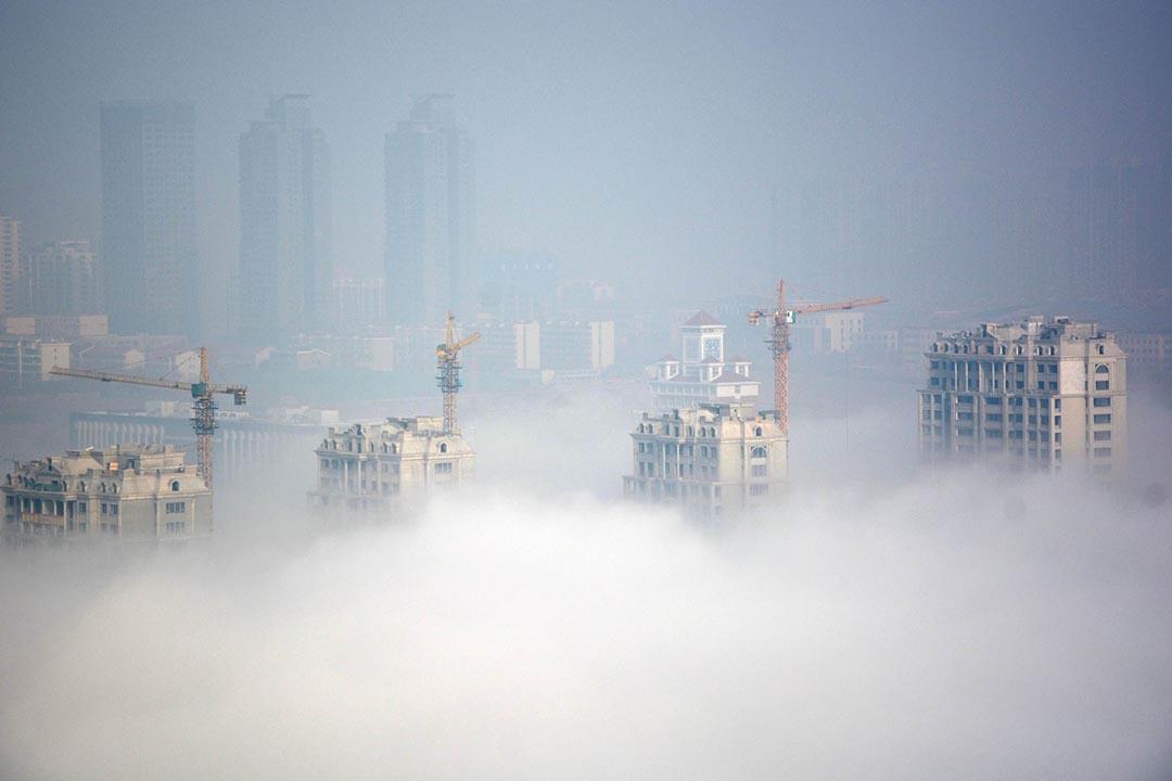 山東省日照市建築中的樓宇。攝:Stringer/REUTERS