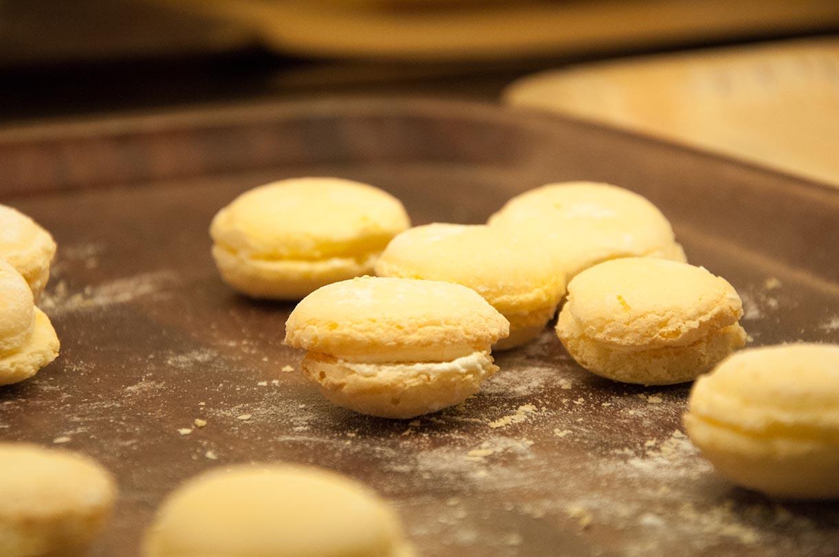 一般台灣麵包店都會有的小西點,現有台式馬卡龍之稱。攝:徐翌全/端傳媒
