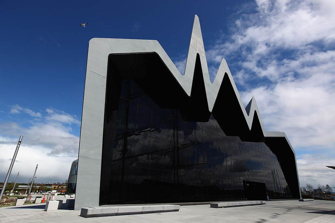 圖為薩哈•哈帝設計的蘇格蘭格拉斯哥河濱博物館。攝:Jeff J Mitchell/GETTY