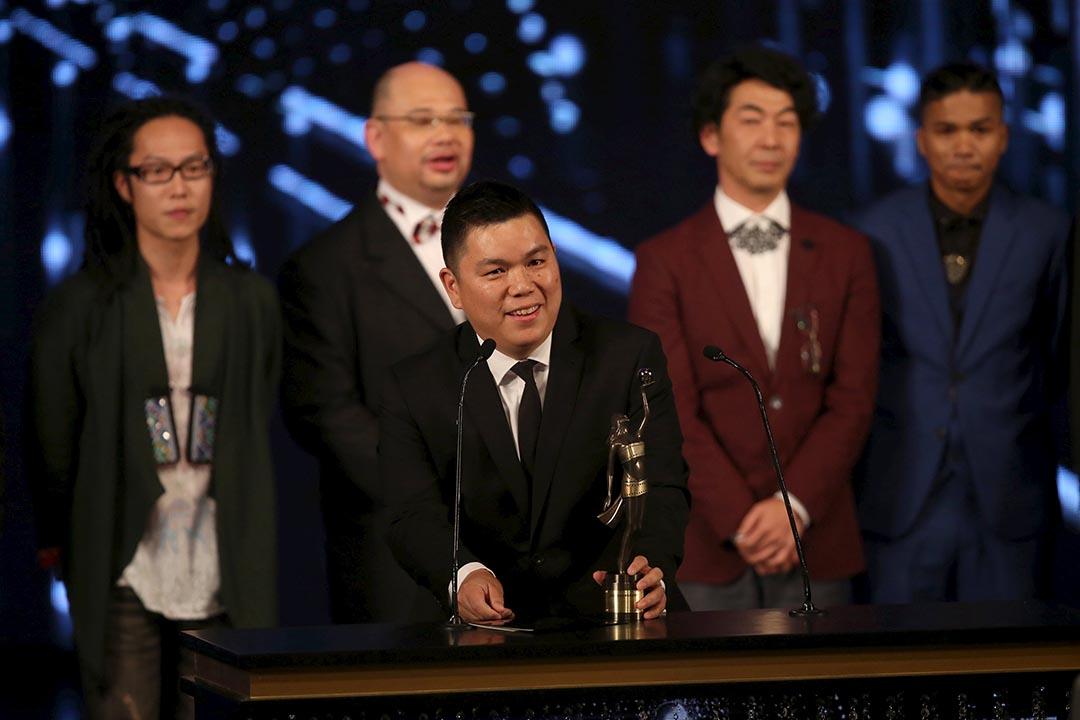 《十年》獲香港金像獎最佳影片,監製、導演和演員一同上台領獎。攝 : REUTERS