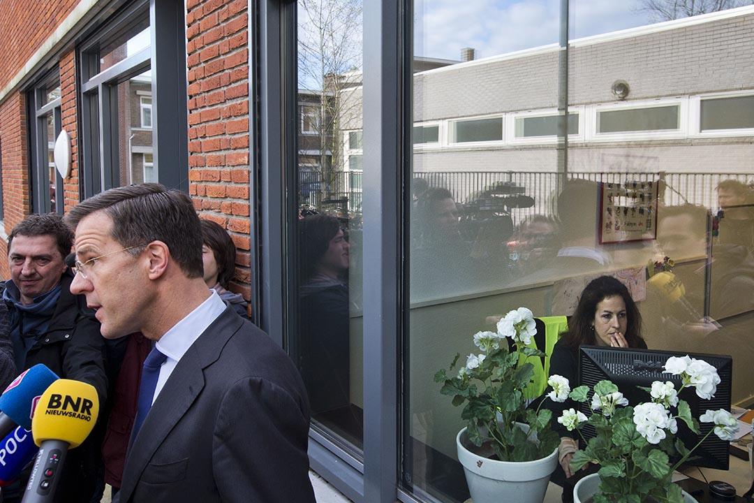 2016年4月6日,荷蘭首相馬克·呂特(Mark Rutte)在歐烏協議公投投票後會見媒體。 攝:Peter Dejong/AP