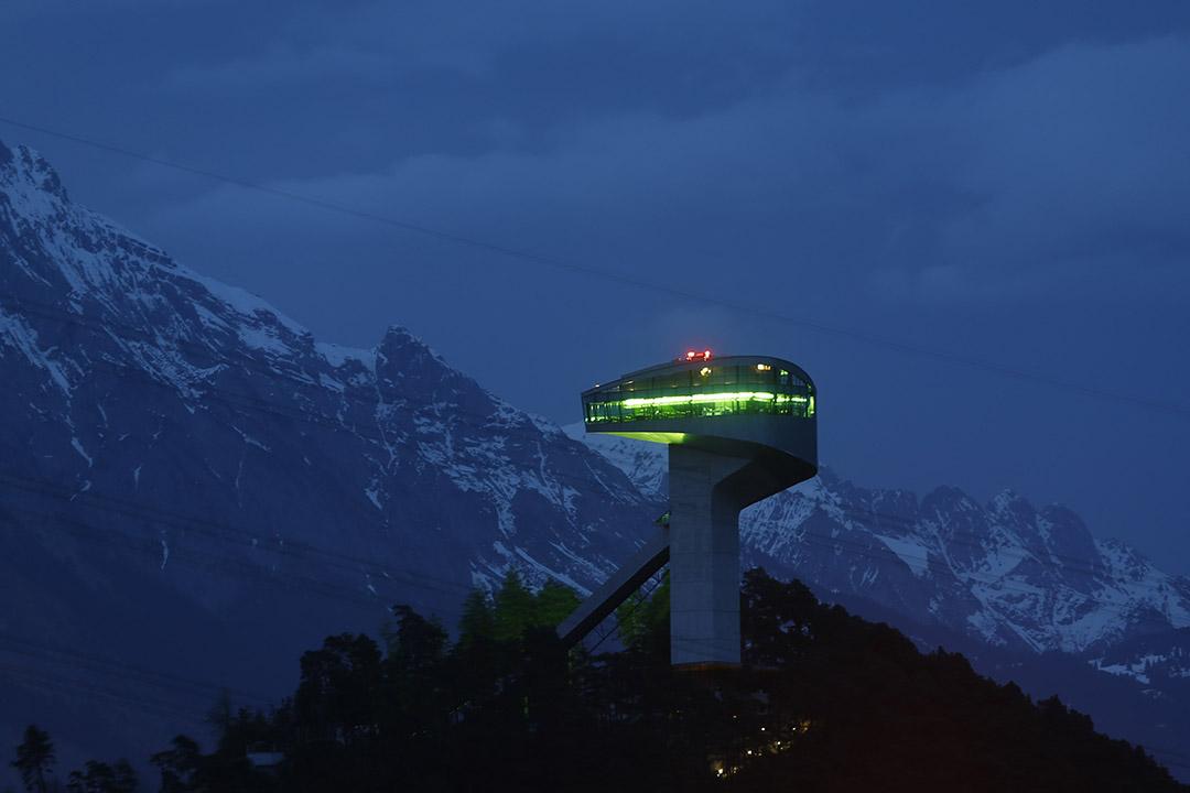 圖為奧地利因斯布魯克,由薩哈•哈帝設計的伯吉塞爾滑雪跳台。攝:Dominic Ebenbichler/REUTERS