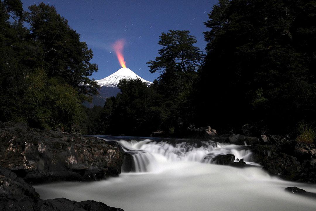 2016年4月17日,智利比亞火山和特蘭庫拉河。攝:Cristobal Saavedra/REUTERS