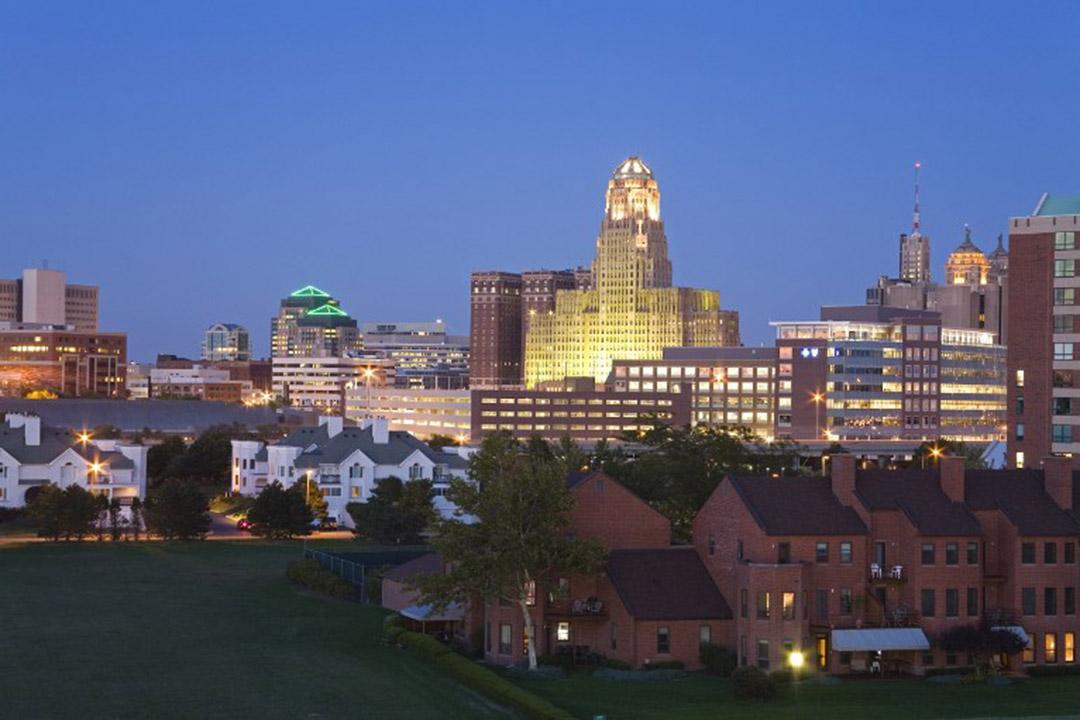 圖為美國水牛城的夜景。