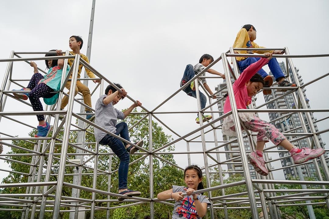 大安森林公園兒童遊戲設施。攝:張國耀/端傳媒