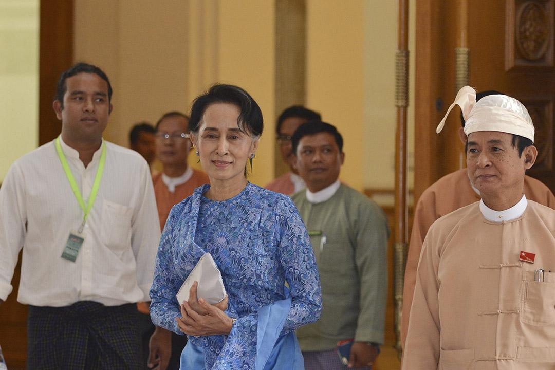 4月7日,昂山素姬被正式任命為緬甸國務顧問。攝:Aung Shine Oo/AP