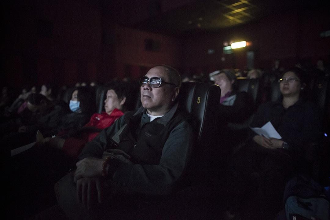 視障人士通過參與觀看電影重新建立起與主流社會的接觸。攝:羅國輝/端傳媒