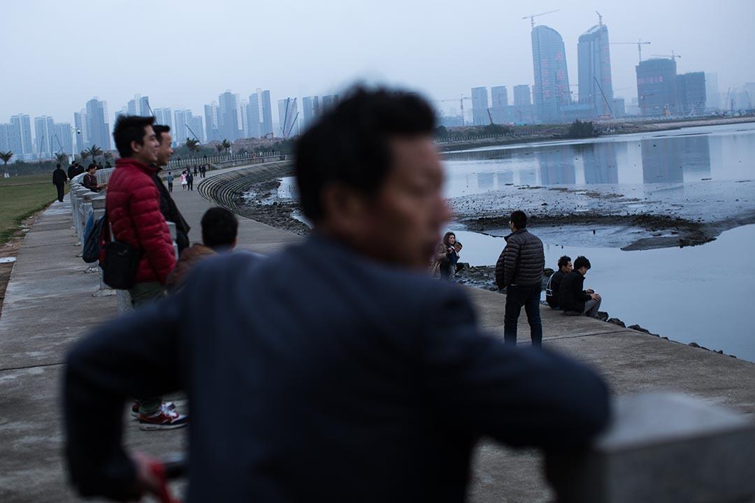 深圳前海海濱。攝:盧翊銘/端傳媒