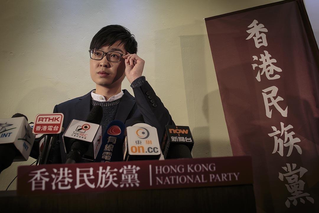 2016年3月29日,香港民族黨召集人陳浩天在建黨記者會上回答記者提問。攝:吳煒豪/端傳媒.