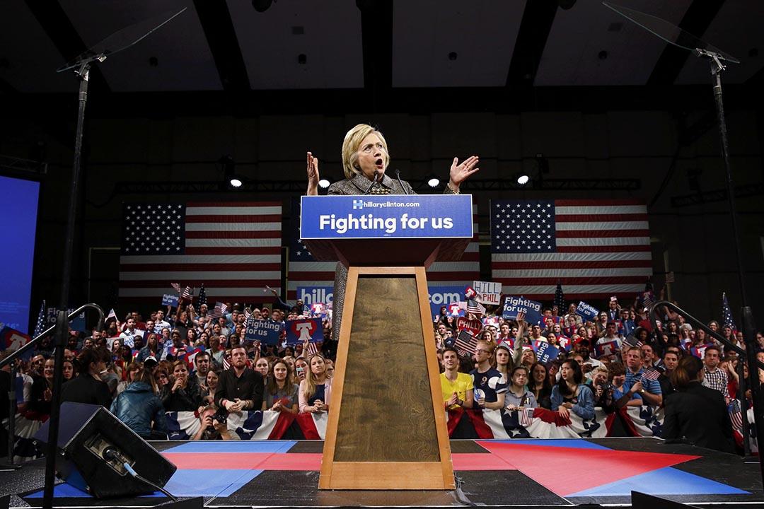 圖為美國民主黨總統参選人希拉莉在發表演說。攝:Dominick Reuter/REUTERS