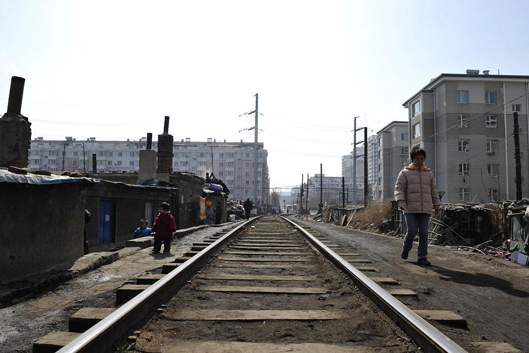 4月11日,中國鐵路物資公司宣布已申請價值168億元九期債券暫停交易,再次引發市場對央企信用的質疑。圖為中國遼寧瀋陽的一段鐵路路軌。 攝:China Photos/GETTY