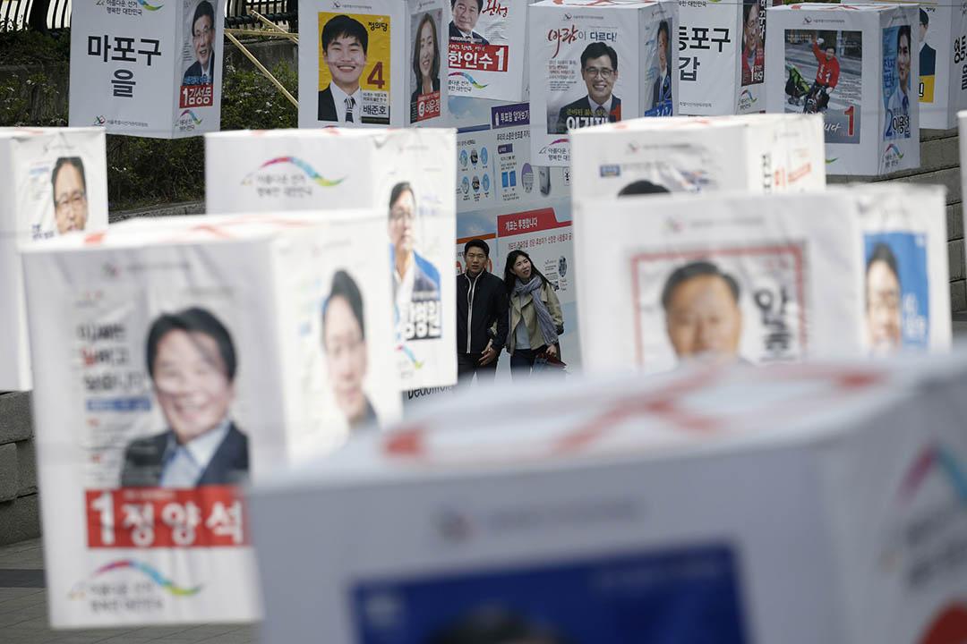 韓國首爾,國會選舉候選人海報。攝:Kim Hong-Ji/REUTERS