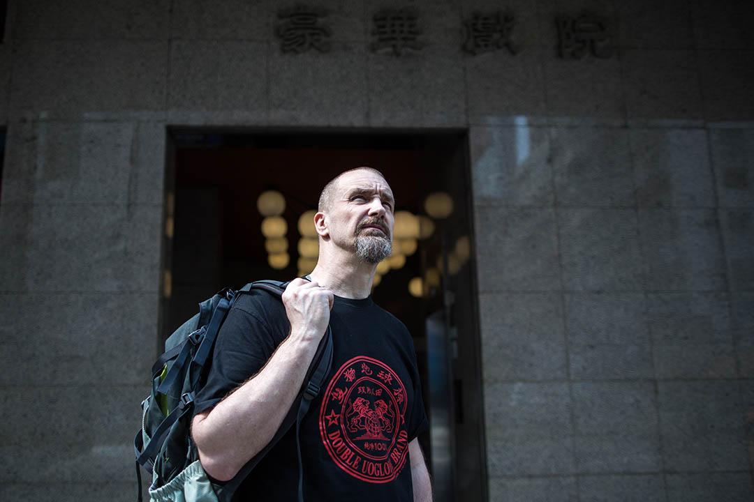「在香港,要跟電影圈裏的人說上話,很容易。你甚至能上網搜索到王家衛工作室的電話,然後打給他的助手,或者助手的助手!」── Sean Tierney 。攝:盧翊銘/端傳媒
