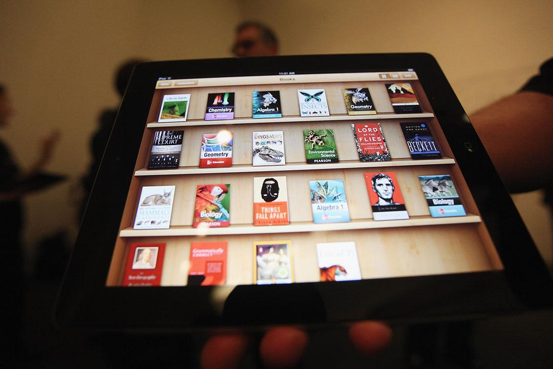 蘋果公司(Apple)的 iBooks 和 iTunes Movie 這兩個內容商店在中國內地均暫停服務。攝:Mario Tama/GETTY
