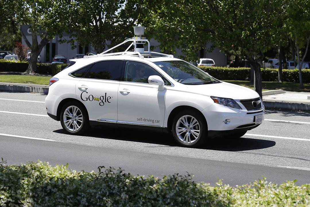 Google 近日為其無人車申請了一項新的專利:撞到人時可將其粘住以減少二次傷害。