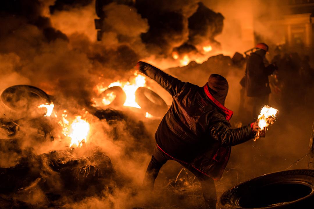 烏克蘭 - 烏克蘭反政府示威 - 2013年11月21日至2014年2月23日 - 烏克蘭總統亞努科維奇中止和歐洲聯盟簽署政治和自由貿易協議,而強化和俄羅斯的關係,違反民意。 於2014年1月17日又簽署新法,禁止幾乎所有形式的抗議活動,再度引發民怨。多地爆發了抗議活動,發起了支持烏克蘭加入歐盟的集會。抗議群眾要求政府和歐盟簽署協議、亞努科維奇下台、提前舉行選舉。政府鎮壓示威中造成至少125人死亡,1890多人受傷。