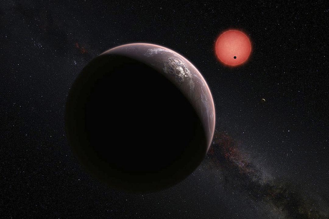 《自然》(Nature)雜誌發表報告,天文學家發現三顆可能適宜居住的星球。攝:ESO/M. Kornmesser/N. Risinger/Handout via Reuters