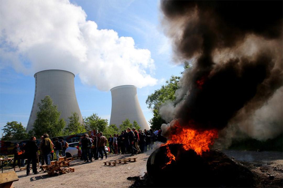 2016年5月26日,法國勞工市場改革提案備受爭議,參與示威的工人堵塞核電廠入口。