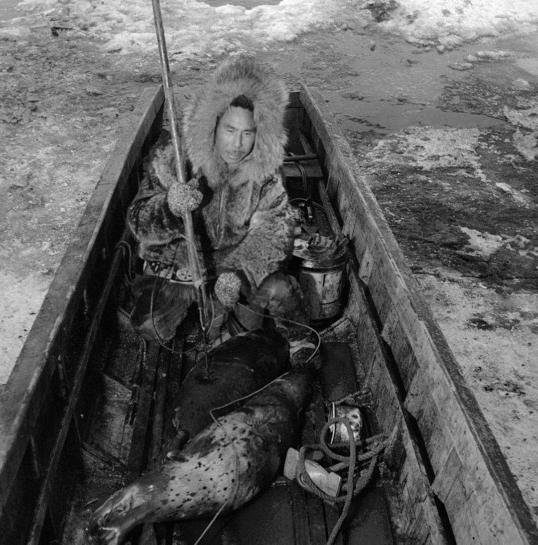 圖為在捕魚因紐特人(inuit)。