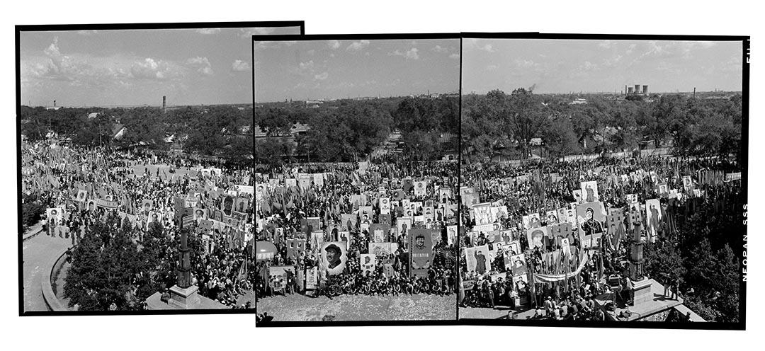 1968年6月21日,黑龍江省哈爾濱北方大廈廣場,向「紅太陽」獻忠心大會。
