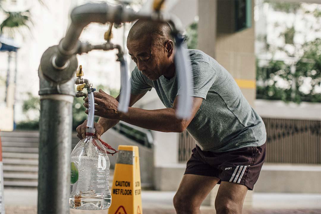 去年多個公共屋邨驗出食水含鉛。