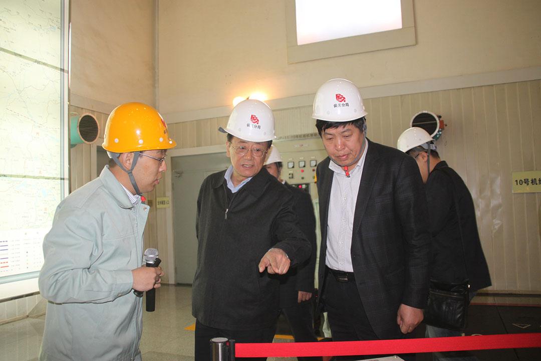 (中)前山西省政協副主席令政策參與水庫。