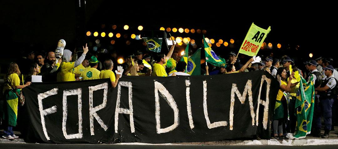 巴西巴西利亞,支持國會眾議院通過彈劾巴西總統迪爾瑪·羅塞夫的民眾舉行集會。