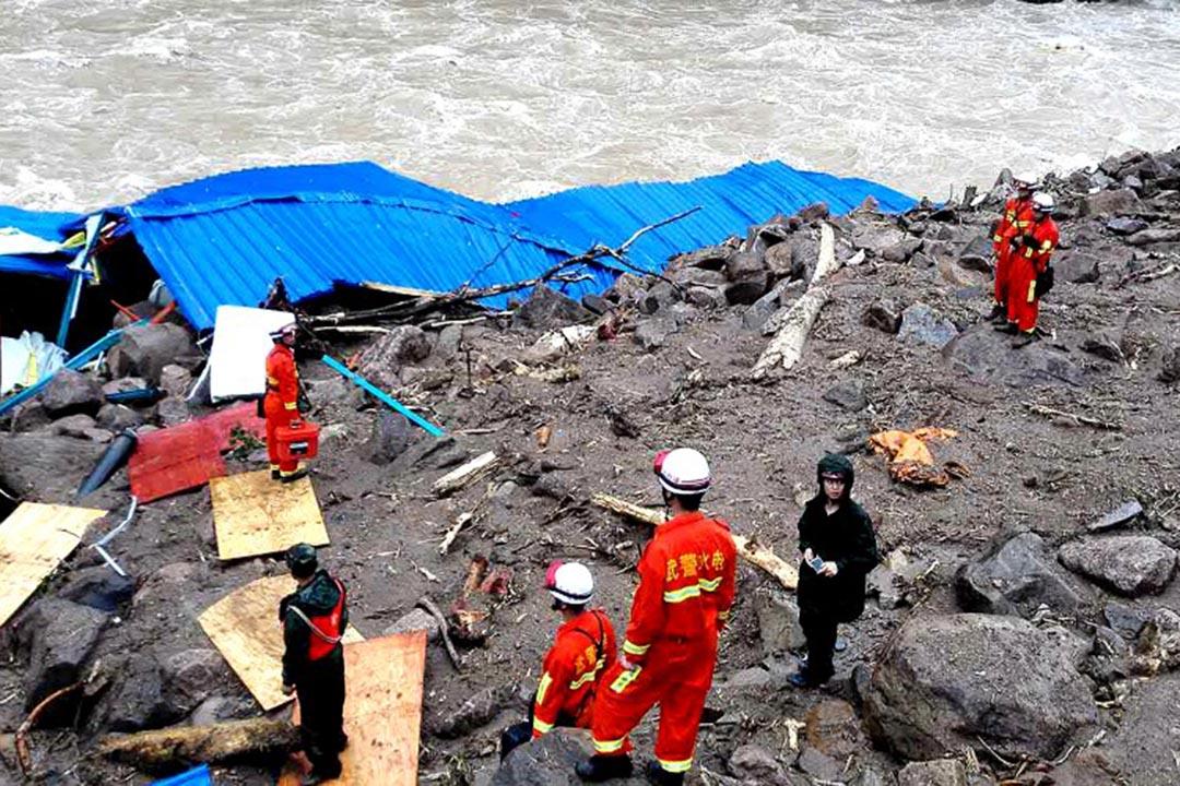 5月8日,福建泰寧縣開善鄉發生山泥傾瀉事故,已導致至少26人死亡,13人失聯。攝:STR/AFP