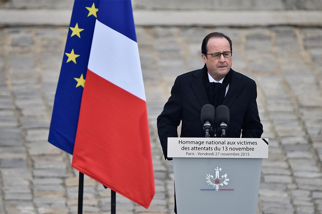 2015年11月27日,法國總統奧朗德出席巴黎恐襲案悼念儀式。