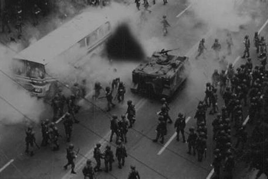 韓國 - 光州事件 - 1980年5月18日至27日 - 發生在韓國南部的光州及全羅南道。由當地市民自發的要求民主運動,當時掌握軍權的陸軍中將全斗煥下令武力鎮壓這次運動,最後造成2000名平民和學生的死傷。