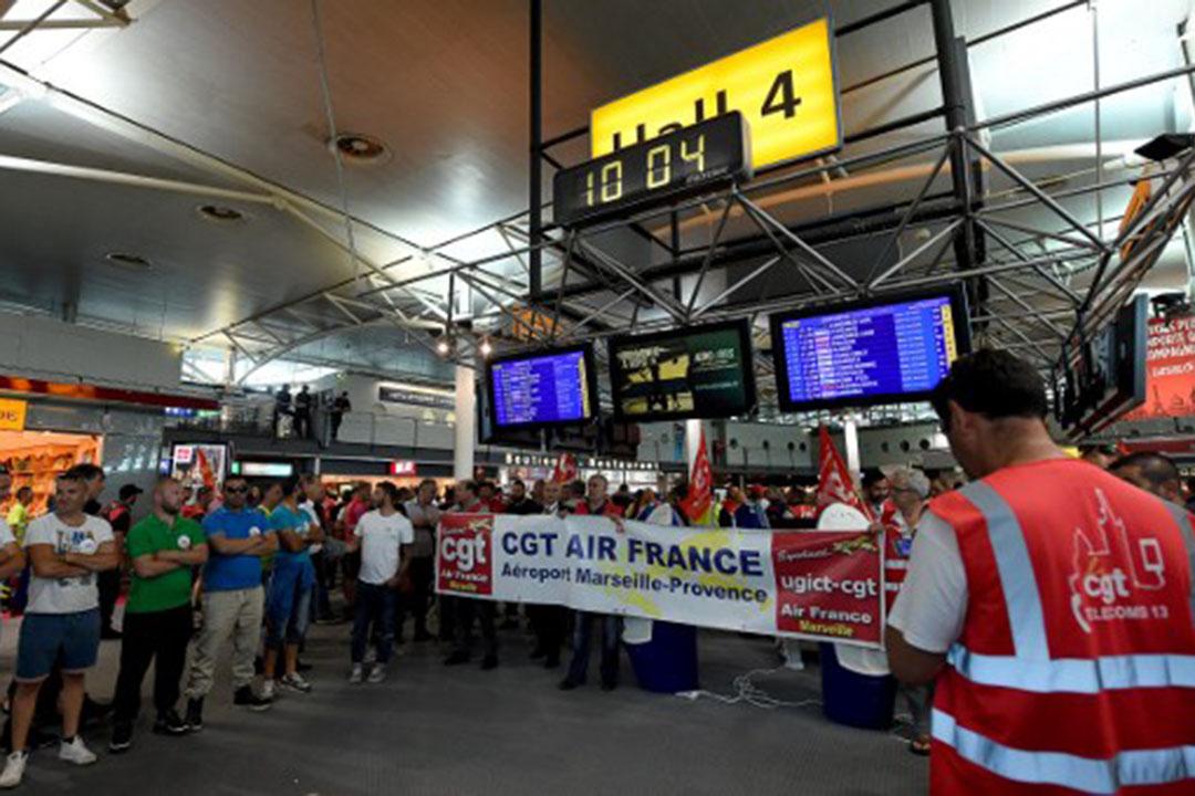 圖為2016年年5月26日,法國馬賽,GCT法國航空工會在機場抗議政府提出的勞動法修改草案。
