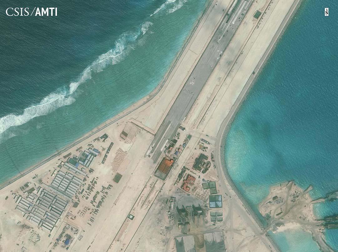 圖為中國位於南海的其中一個人工島。