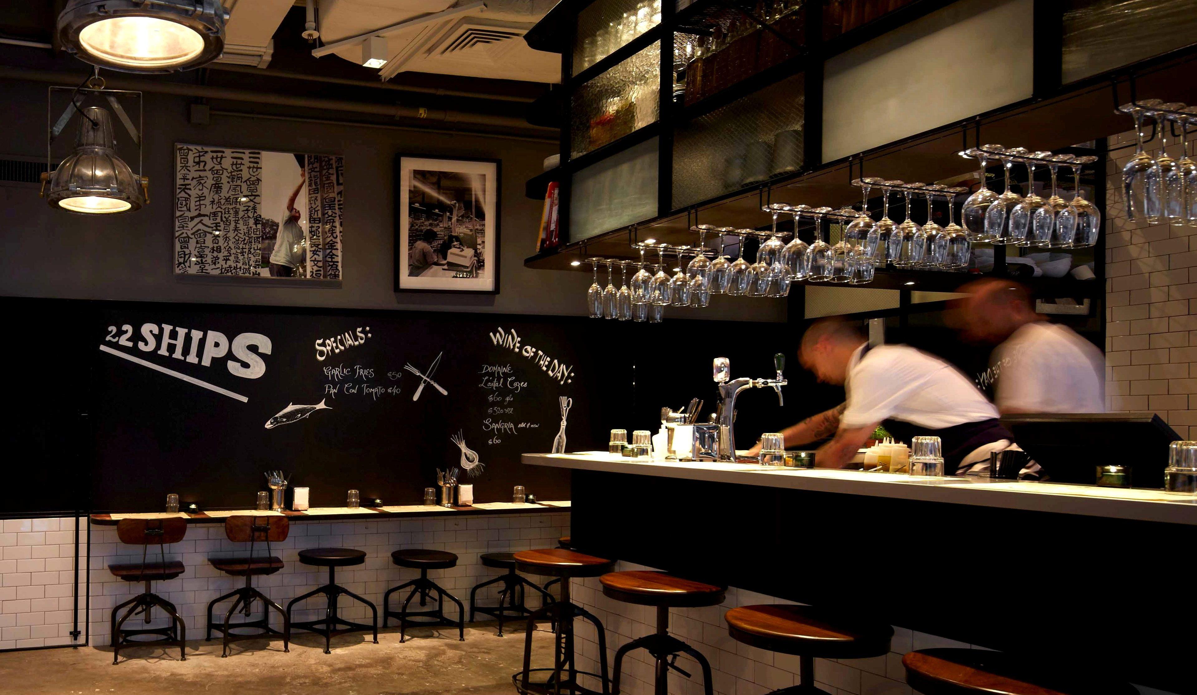 西班牙 Tapas 酒吧 22 ships。
