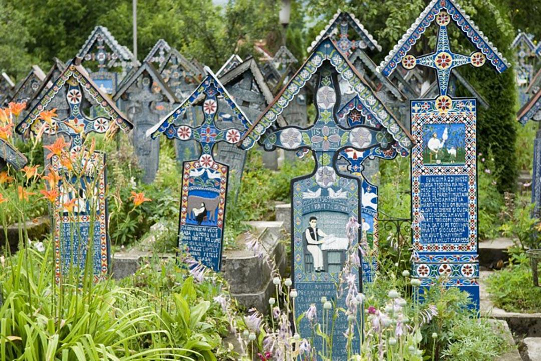 羅馬尼亞的一個墓地。