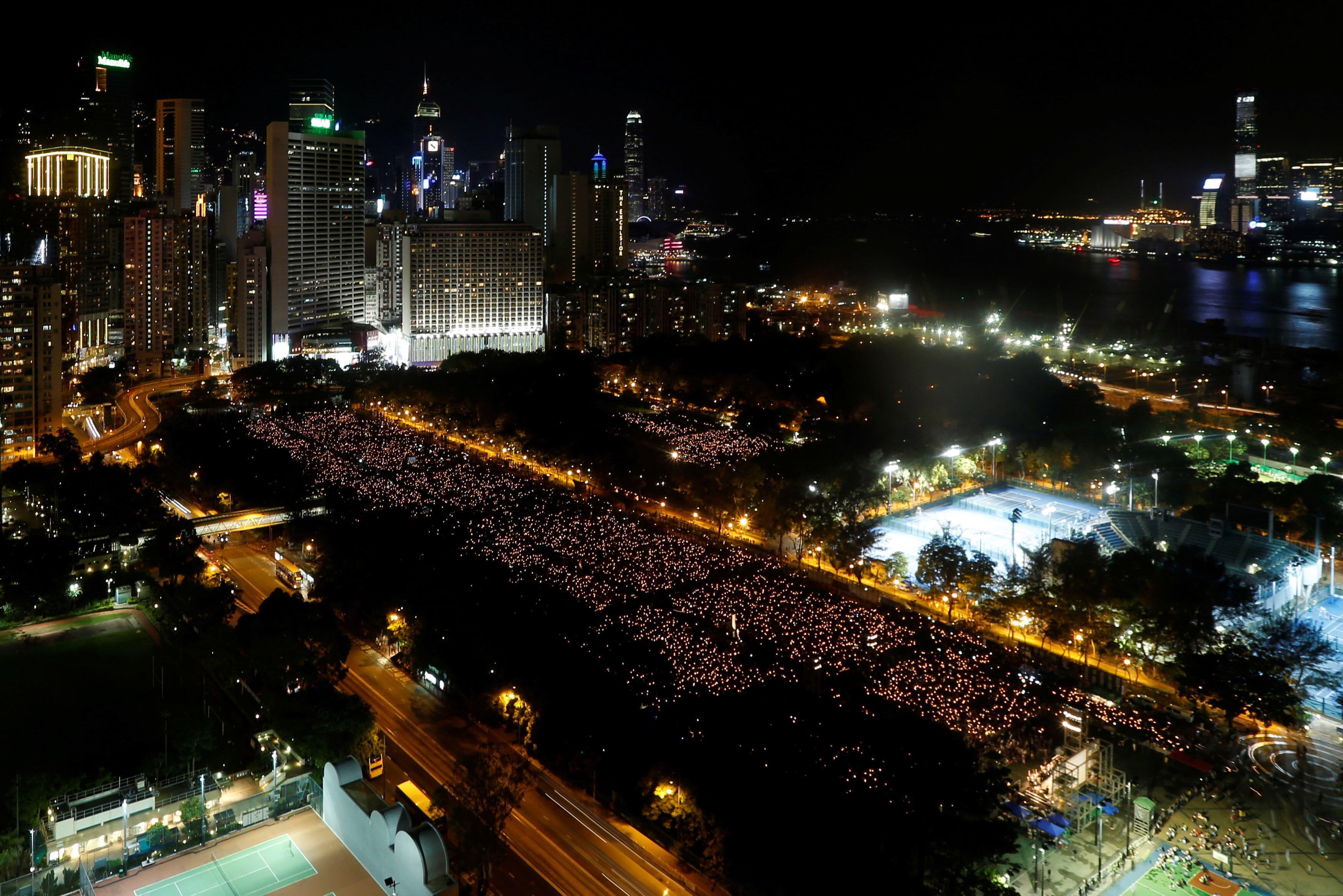 香港支聯會於維多利亞公園舉行六四廿七周年晚會。